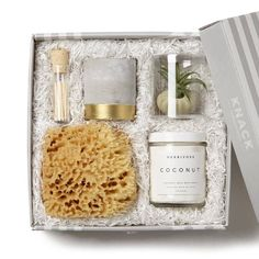 Just Breathe Spa Gift gift box from @knackshop, perfect for Mother's Day! #knack #knackshops #giftsformom #giftspo #ad #mothersday #giftidea