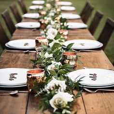 Rustic vibes and #moscowmugs with a touch of Greenery! How much more #ontrend can you be for a fab tablescape!?📷🌸: @lbjfloralevents #weddinginspo