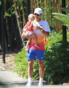 Roger and family very cute ♥ cool dady
