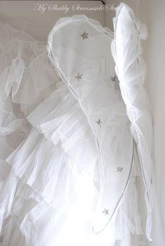 My Shabby Streamside Studio: Decorating Tips from Nina Part II: Angel Wings Diy Angel Wings, Fairy Wings, White Christmas, Christmas Crafts, Christmas Angels, Vintage Accessoires, Diy Angels, I Believe In Angels, Angel Crafts