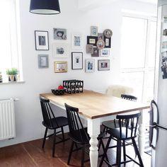 ❤ #livingroom #kitchen #home #interior #scandinavian #scandinaviandesign #scandinavianliving #blackandwhite #nordicinspiration #table #tapiovaara #chair #wallofframes #walldecor #interiordesign#mydeerhome