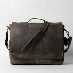 #Leather Flapover Shoulder #Laptop #Messengerbag