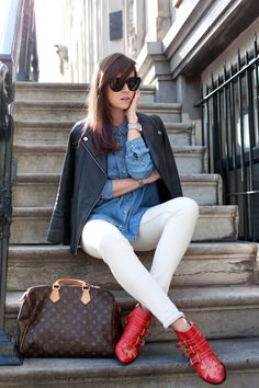 Inspiration for the casual creative work environment. What to wear when traditional business casual becomes monotonous. A tumblr for pictures and postings.