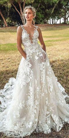 3601e518be6e 59 fantastiche immagini su Abiti da sposa nel 2019