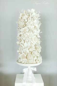 """""""Simone's Vision in White"""" - cake by Sugar Cakes"""