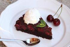 Prevrátený čerešňovo - čokoládový koláčik Cheesecake Brownies, Meatloaf, Food And Drink, Beef, Desserts, Cakes, Meat, Tailgate Desserts, Deserts