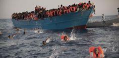 Rescatan a miles de inmigrantes en aguas del Mediterráneo....