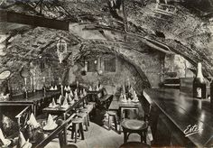 le caveau François-Villon au 64 de la rue de l'Arbre-Sec vers 1960 - Paris 1er