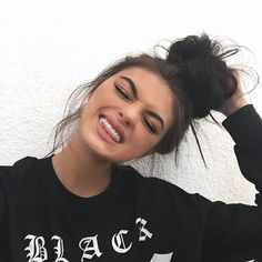 Find images and videos about girl, beautiful and hair on We Heart It - the app to get lost in what you love. Beauty Makeup, Hair Makeup, Hair Beauty, Gina Lorena, Pretty People, Beautiful People, White Smile, Tumblr Girls, Cute Hairstyles