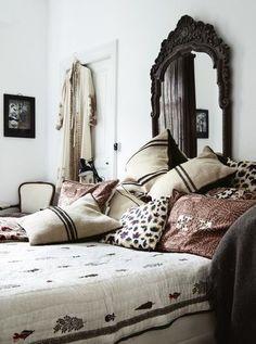Boho Chic Interior Design - Bohemian Bedroom Design - Josh and Derek Bohemian Bedrooms, Trendy Bedroom, Eclectic Bedrooms, Hippy Bedroom, Bohemian Apartment, Country Bedrooms, Boho Chic Interior, Interior Design, Design Interiors