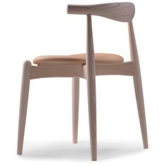 Beautiful wood and simple design - Elbow chair - Hans J. Wegner. Designed in 1956 and manufactured in 2005.