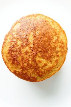 oatmeal pancake Oatmeal Pancakes {Healthy, But Addictive} - Her Highness, Hungry Me Oatmeal Pancakes Easy, Oatmeal Cupcakes, Oat Pancakes, Breakfast Muffins, Eat Breakfast, Waffles, Pancake Healthy, Healthy Breakfast Recipes, Healthy Breads