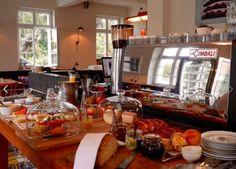 Was für ein Glücksgefühl... ...heute schon zu wissen, dass am nächsten morgen kein Wecker klingeln wird. ☺ Und Eure Küche kann auch kalt bleiben… Z Café ab 9 Uhr & Restaurant ab 17 Uhr im Einsatz… Freuen uns auf Euch
