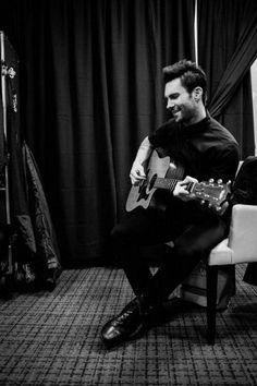 I love a man that can play guitar.