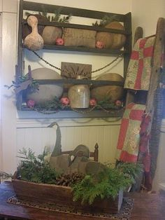 primitive christmas decorations | Primitive Christmas Ideas~ / Wonderful!