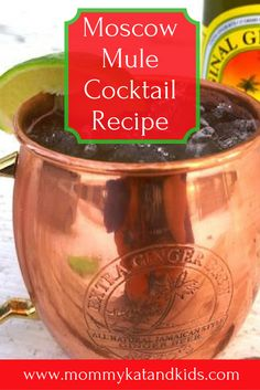 If you want a refreshing cocktail for the summer months, this should be your go to cocktail recipe. This Moscow Mule Cocktail recipe will hit the spot on those warm sunny days and leave you craving more. Make sure you save this recipe to your drink board! Best Summer Cocktails, Winter Cocktails, Refreshing Cocktails, Craft Cocktails, Cocktail Drinks, Cocktail Recipes, Moscow Mule Recipe, Moscow Mule Mugs, Classic Drink Recipe