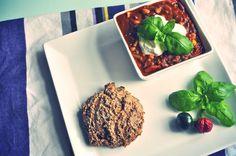 Chilin' con carne | Emily Salomon