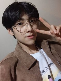 Find images and videos about eunsang and lee eunsang on We Heart It - the app to get lost in what you love. Kim Tae Yeon, Innocent Man, Thing 1, Korean Celebrities, Kpop Boy, Boyfriend Material, My Boyfriend, New Music, Boy Bands