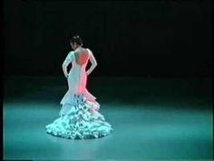 Flamenco Dance Siguiriyas part two  Me gusta Flamenco dancing. Flamenco dancing es de Spain