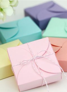 DIY spring gift boxes- perfect for weddings, showers, and party favors!