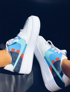 See more of vscoforthegurls's VSCO. Moda Sneakers, Sneakers Nike, Adidas Shoes, Shoes Wallpaper, Sneaker Store, Basket Mode, Aesthetic Shoes, Hype Shoes, Fresh Shoes