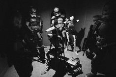 """Advanced Recon Commandos herd droids into a compound and await extraction after raiding a suspected Separatist intelligence cell in Mos Eisley, Tatooine. War Photography, Figure Photography, Star Wars Figurines, Pokemon, Galactic Republic, Camera Art, Powerful Images, Iconic Photos, Star Wars Action Figures"