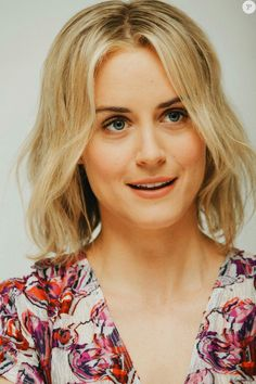 Taylor Schilling, The Lucky One, Orange Is The New Black, Floral Tops, Actresses, Women, Fashion, Female Actresses, Moda