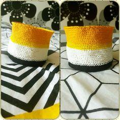 #Paniere #crochet #jaune #Blanc #noir