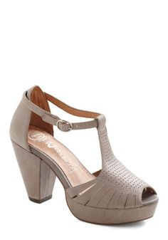 All In One Mauve Heel, #ModCloth  This kind of looks like one of those comfortable looking old lady shoes transformed into a younger persons shoe... I kind of like it in a weird way