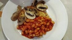 FITFARMS WEIGHT LOSS CAMP BREAKFAST. The http://www.fitfarms.co.uk/ Weight Loss Camp Breakfast which is high in protein and exactly enough calories carry us through the holistic boot camp day.  Breakfast is usually served between 8 and 9am after the first intensive exercise session. All the meals the guest have at the weight loss retreat has been designed by the camps nutritional therapist. The food is all delicious but most of all nutritious.