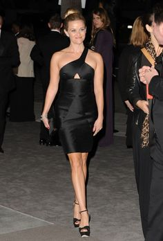 Reese Witherspoon perfect black dress
