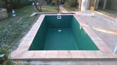 #liner #revestimiento color verde #Flagpool #Girona Swimming Pools Drank, Pool Drinks, Lap Pools, Tub, Outdoor Decor, Color, Home Decor, Outdoor Spaces, Green