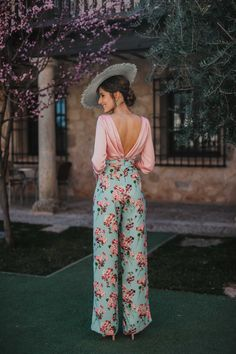 set pink print blouse guest wedding look - boda yessi - Dressy Outfits, Fashion Outfits, Culottes Outfit, Fiesta Outfit, Preppy Look, Mode Chic, Camille, Overall, Elegant Outfit