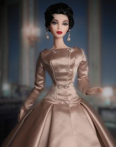 JAMIEshow Oona in a Dior evening dress by D.A.E. Wig by Ilaria