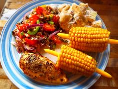 Sweet Chilli Chicken Rainbow Salad, with Rustic Potato & Red Onion Salad and Corn-on-the-Cob Rustic Potatoes, Rainbow Salad, Onion Salad, Sweet Chilli, Cob, Food To Make, Tasty, Nutrition, Stuffed Peppers