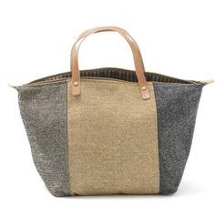 Handbag-Mala de mão em chenille, forro interior em sarja/ganga. Pegas duplas em couro natural. Fecho de correr. Handmade - numerado. Medidas:45x28x20cm