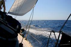 Que es mi barco mi tesoro, que es mi dios la libertad, mi ley, la fuerza y el viento, mi única patria, la mar. (Espronceda) — en Ciutadella, Menorca.
