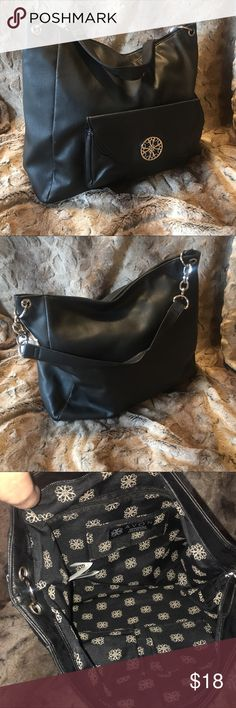 Avon chain linked hobo bag black nwt Avon chain linked hobo bag black nwt Avon Bags Hobos