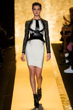 #HerveLeger by #MaxAzria #Fall #2015 #Fashion #Show #Fall2015 #nyfw #NewYork #Fashionweek via @vogue_italia