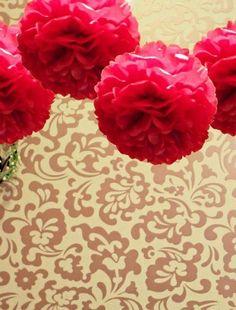 Rode PomPom 35 cm  #lampion #wedding ceremonie #wedding paper lanterns #lantarnes #wedding Ideas #wedding inspiration #bruilofts versiering #lampionnen #paperlanterns #wedding decor #Bruiloft styling #Wedding decor #decoration de mariage #pom pom