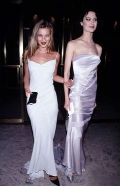 Kate Moss with Shalom Harlow 1995