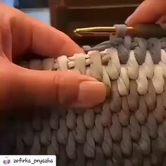 Cómo tejer una cesta a crochet bags pattern videos Crochet basket lesson series Crochet Diy, Crochet Basics, Crochet Home, Crochet Crafts, Learn Crochet, Simple Crochet, Crochet Storage, Diy Crafts, Crochet Basket Pattern
