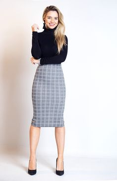 Perfect Pencil Checked Midi Skirt from Catwalk Wholesale! Long Pencil Skirt, Plaid Pencil Skirt, Pencil Skirt Casual, High Waisted Pencil Skirt, Pencil Skirts, Pencil Dresses, Plaid Skirts, Pencil Dress Outfit, Pencil Skirt Outfits