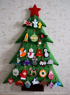 New Ideas Diy Christmas Tree Crafts Advent Calendar Felt Christmas Ornaments, Christmas Sewing, Christmas Crafts For Kids, Homemade Christmas, All Things Christmas, Holiday Crafts, Christmas Time, Christmas Gifts, Felt Tree