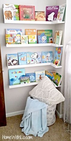 Little Corner Reading Nook For Baby S Room What A Nice Way To Display Books Kid