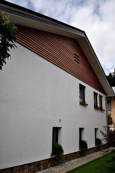 Mizarstvo Hrovat - Wooden facade - Lesena fasada Železniki http://www.hrovat.net/izdelki/lesene-fasade/lesena-fasada-zelezniki/