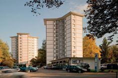 Der Architekt Albert Heinrich Steiner war von 1943 bis 1957 Stadtbaumeister der Stadt Zürich. Er zeichnete → Felder, Google Images, Facade, Multi Story Building, Human Settlement, Places, Architecture, City, Facades