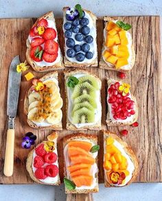 Eat the rainbow!💚💛💜A fun one with these coconut yogurt rainbow toasts! I'm In love with this time of the year, new seasonal produce, new life and an explosion of color. Vegetarian Breakfast, Healthy Breakfast Recipes, Easy Healthy Recipes, Vegan Vegetarian, Free Recipes, Rainbow Food, Eat The Rainbow, Snacks Saludables, Breakfast Toast