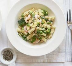 Pasta with prawns, mascarpone & lemon