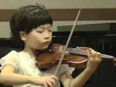 7 year old violinist (Mozart Concerto No.4)
